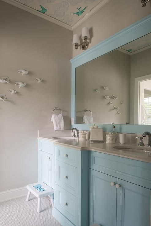Benjamin Moore Tear Drop Blue