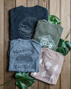 That just-in-case layer you bring just about everywhere || graphic tee style || casual outfit