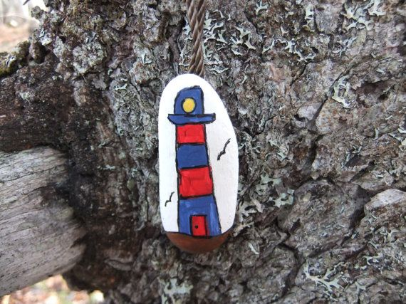 Enfants plage Pierre collier Art  un petit phare par AcadianSeaArt