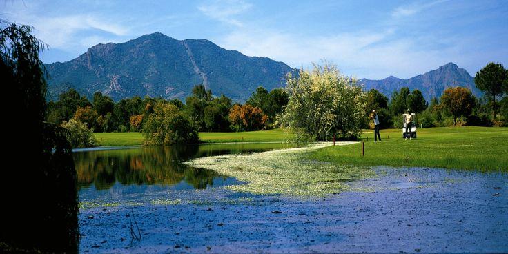 Is Molas Golf Club è da più di trent'anni il punto di riferimento del Golf in Sardegna.  Uno dei campi da golf più belli d'Italia, sede di competizioni prestigiose. Sono disponibili gli abbonamenti 2014 del Circolo Golf Is Molas.