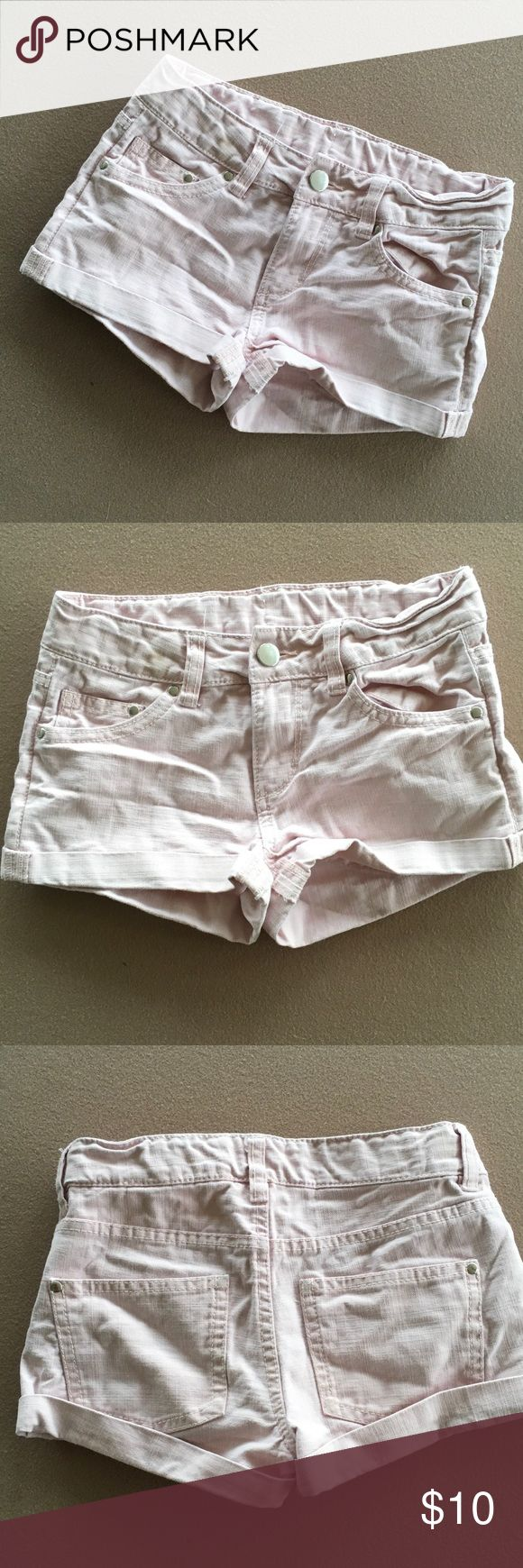 Girls light pink shorts Light pink shorts from H&M.  Size 8-9, slight discoloration on waist and as shown in last pic, may come out in wash otherwise great shape. H&M Bottoms Shorts