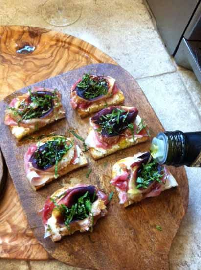Fig, prociutto and goat cheese bruschetta