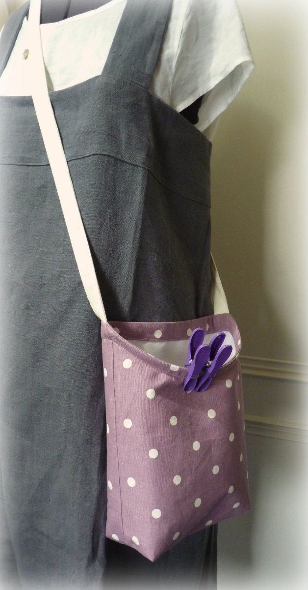 Shoulder Peg Bag by MyLittleSewingBox on Etsy  --  use embroidery hoop for easy access