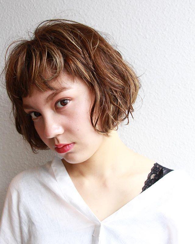 おでこが狭い女性に似合う前髪まとめ 女性らしさがupするヘアスタイル