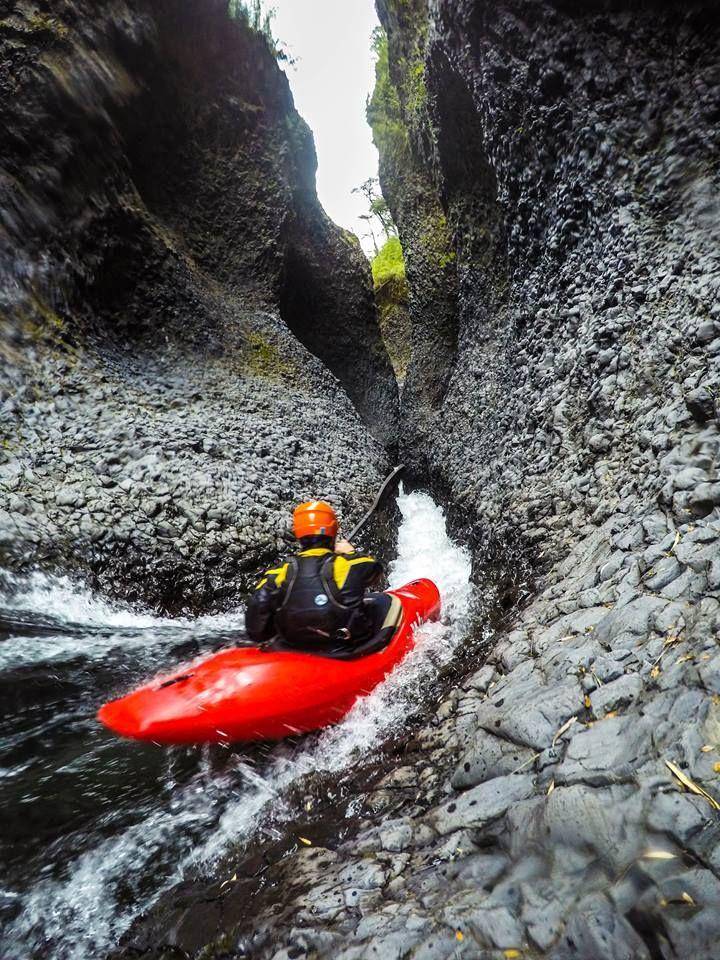 Deze Pin Is Ontdekt Door Go Find Water Ontdek En Bewaar Je Kayaking GearWhitewater