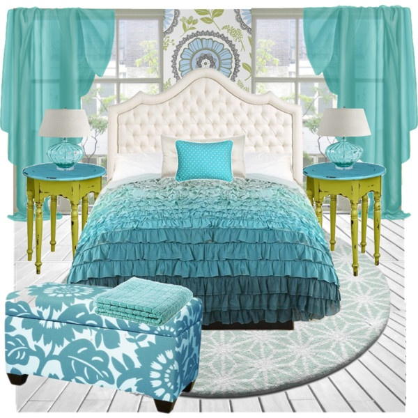 Aqua and coral are definitely going to be used when I redecorate the master bedroom!