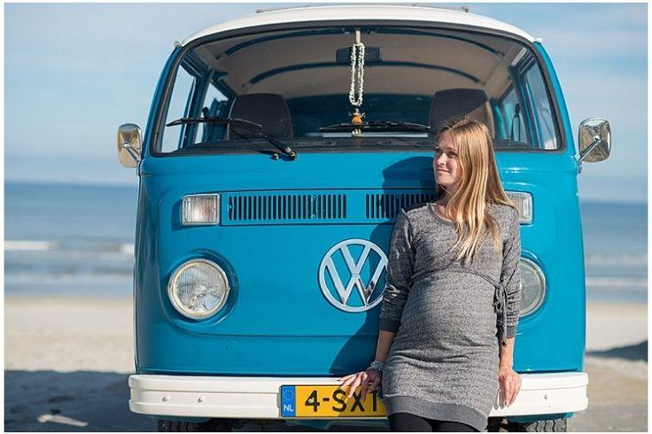 fotoshoot volkswagen T2 zwangerschapsfotoshoot