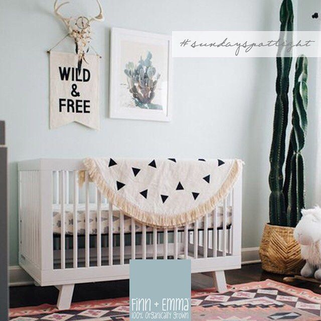 Another beautiful southwest inspired nursery! Styled by @sarahsweeneyco + photo by @allisoncorrinphotography + found on @pinterest / shared also on @projectnursery