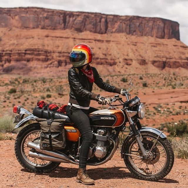 Jenny Linquist #motorcycles #bratstyle #motos | caferacerpasion.com