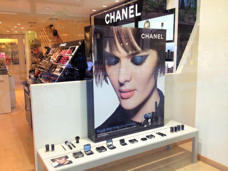Escaparate Nueva colección de Chanel para el otoño-invierno 2015-2016. Chanel Blue Rhythm Collection. Promoción 20 % Dto. del 14 al 17 Septiembre 2015