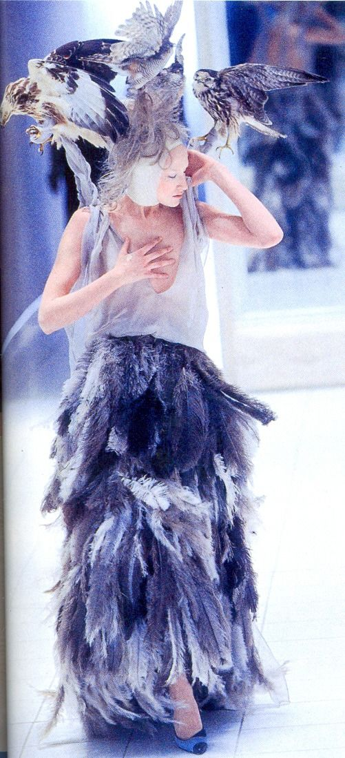 Jade Parfitt for Alexander McQueen .See the complete Alexander McQueen Spring 2001 Ready-to-Wear collection. Alexander Mcqueen Spring/Summer 2001