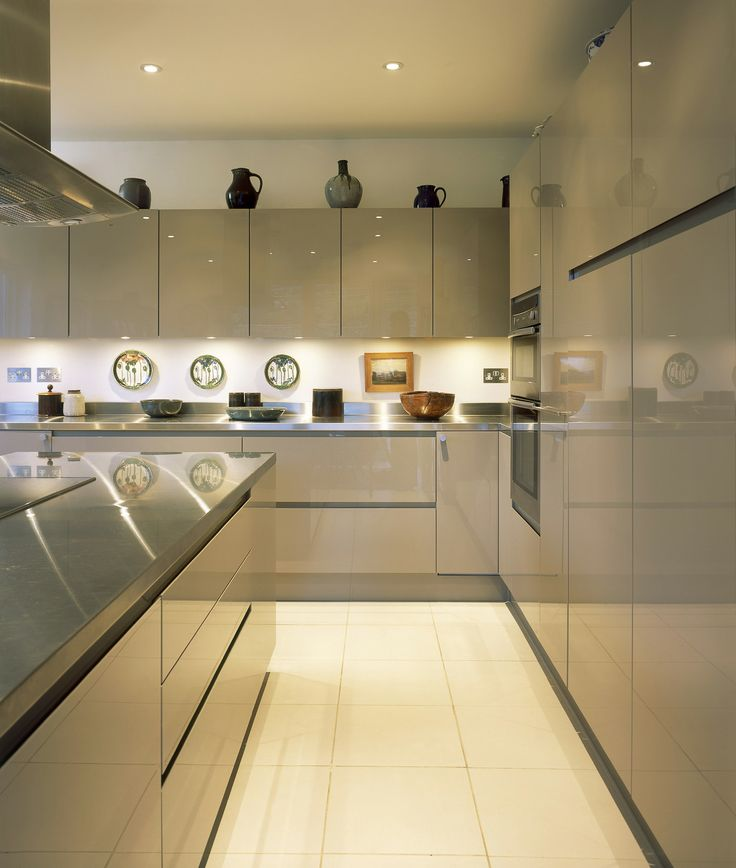 Designer Kitchen Units: PARAPAN® Kitchen In Cappuccino#highgloss #contemporarykitchen