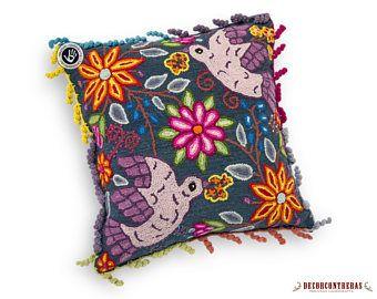 """Cojines bordado a mano 18x18 Pulg """"Jardin Andino"""" - Decoracion para el Hogar - Artesania Peruana - Regalos artesanales  - Decoracion hogar"""