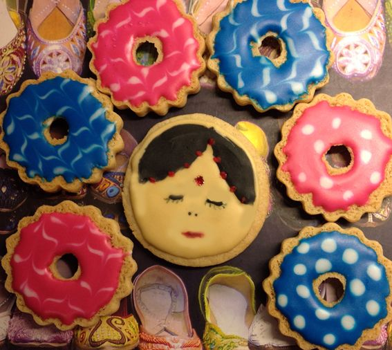 Bright Bollywood ring cookies. From http://cheekycherrytop.blogspot.co.uk/2012/11/happy-diwali-bollywood-party-rings.html