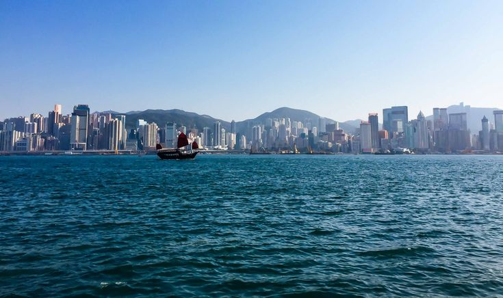 Because getting lost in Hong Kong would totally be something I would do! // Lost In Hong Kong. Three travel tips to travel safe and soundly from Margo on the Go