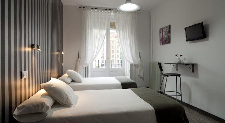 Hostal Gala Madrid Madrid Located just of Madrid's Gran Vía, the stylish Hostal Gala Madrid is 5 minutes' walk from Puerta del Sol. It offers a 24-hour reception and rooms with cutting-edge design and free WiFi.