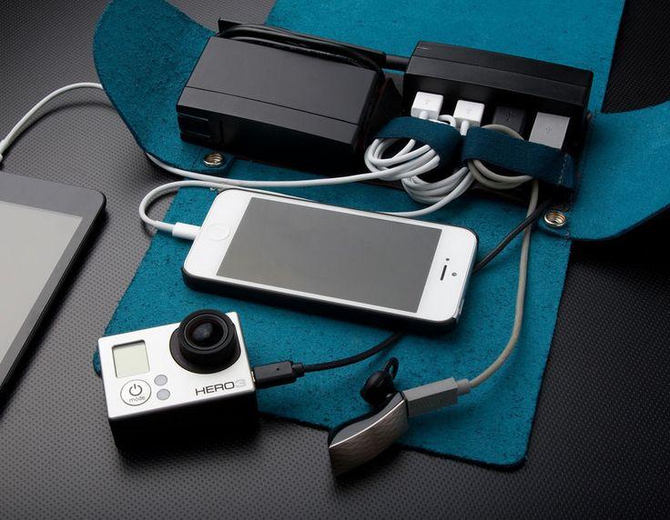 AViiQ | Portable Charging Station Mini Folio