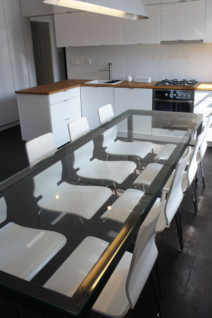 #kitchen #integration #office #HQ #iteo #breakfast #pizza #lunchtime #white #glass #metal #ikea #urban #bright