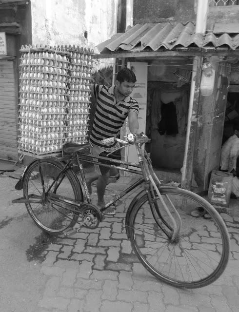 BombayJules: Worli Fishing Village - Pavement Omelette
