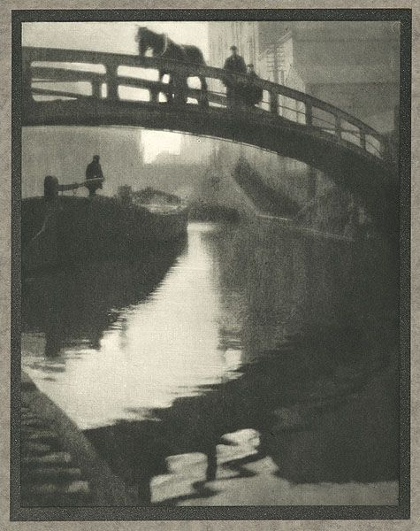 Vintage photo: Regent's Canal, by Alvin Langdon Coburn 1910. Ghostly