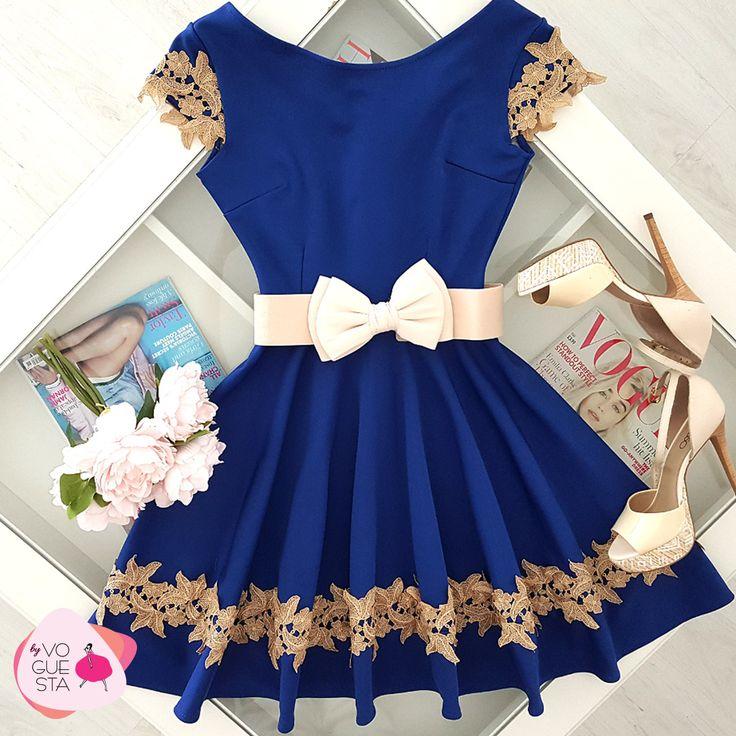 Lady in blue. #blue #dress #cloche