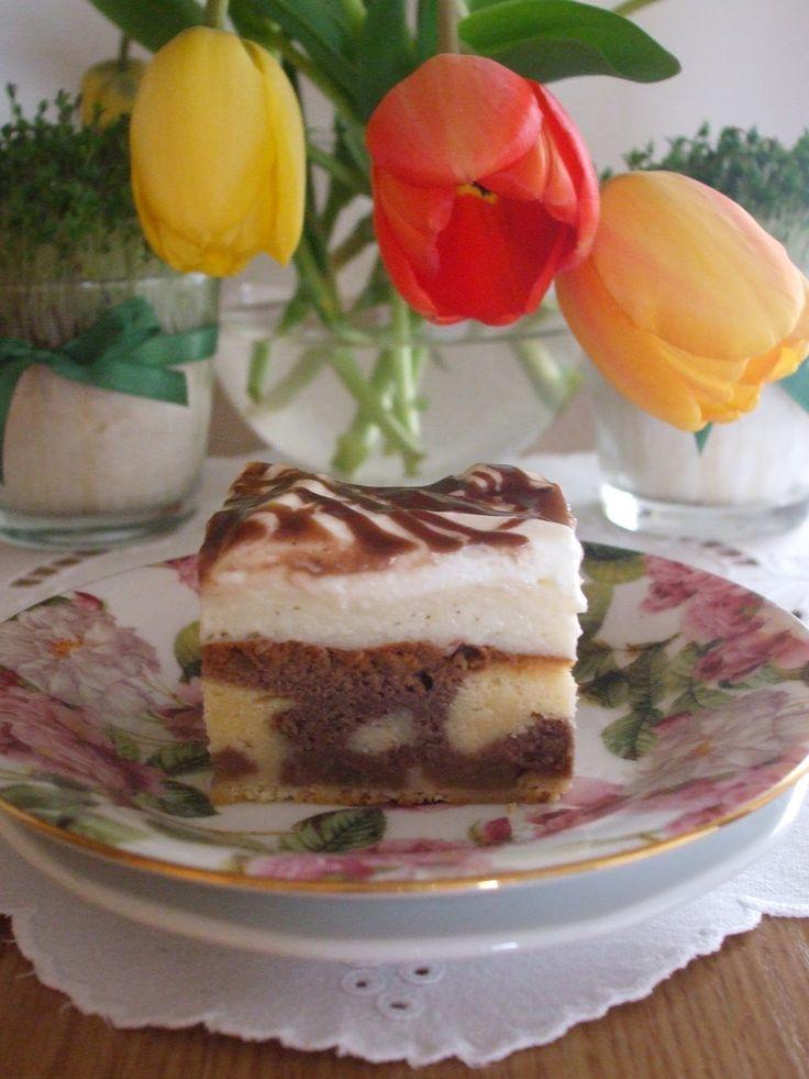 Fale Dunaju... jeszcze w wiosennym nastroju tak na pożegnanie lata, bo jesień zawitała u nas już na dobre. Przepis na to ciasto znany jest...