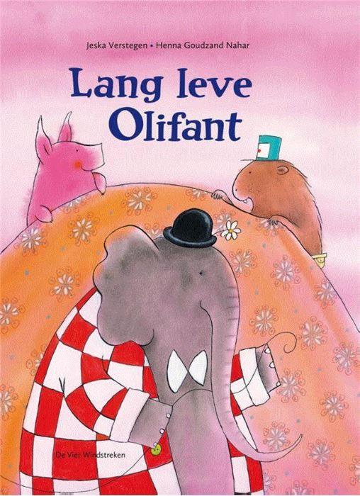 Lang leve Olifant  Olifant is jarig. Als hij in zijn nieuwe feestkleren voor de spiegel staat ziet hij ineens dat hij een scheve slurf en een flapoor heeft. Hoe kunnen Bever en Varken hem zó nu aardig vinden? Zijn vrienden leggen het aan hem uit. En juist omdat jij een flapoor hebt Olifant zei Bever. En omdat je slurf een eindje de andere kant op staat vulde Varken aan. Ben je niet zomaar een olifant zei Bever maar onze Olifant. En dan kan het verjaardagsfeest van Olifant eindelijk beginnen…