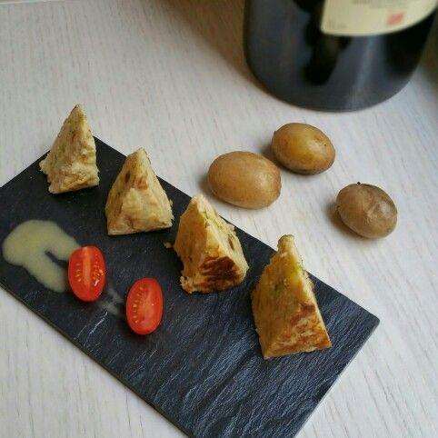 #tortilla de patatas. Spanish tortilla