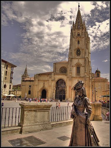Historic quarters of my hometown, Oviedo. Stunning view of the Cathedral and La Regenta.