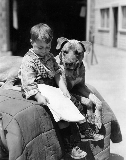 thats-the-way-it-was:  George McFarland as Spanky with dog, Von on the set of 'General Spanky,' part of the Our Gang series later to be known as The Little Rascals. September 1, 1936  Photo: CBS