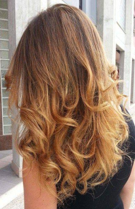 Foto capelli castani con riflessi biondi 45