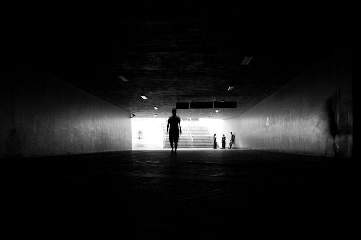 #Poznań #Poznan  #photography  #BW #blackandwhite #bnw #monochrome #instablackandwhite #monoart #insta_bw #bnw_society #bw_lover #street #streetphotography #samotność #tunel #miasto #fotografia