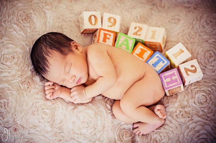 Creative Newborn Photography | Be creative, newborn photography can very artistic.