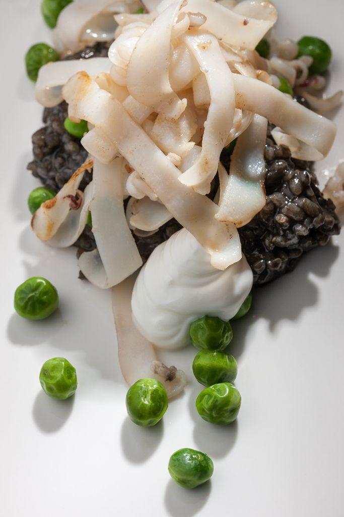 Tallarines de choco con arroz negro
