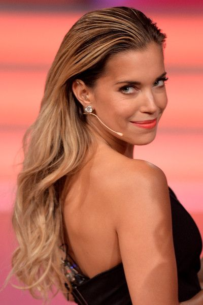 Sylvie Meis Photos - Presenter Sylvie Meis attends the 10th show of the television competition 'Let's Dance' on May 22, 2015 in Cologne, Germany. - 'Let's Dance' 10th Show