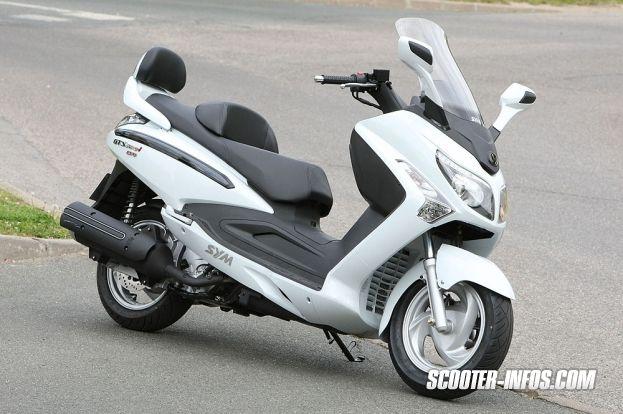 Guide d'achat du Scooter GT SYM GTS 300 et comparatif - Scooter Infos