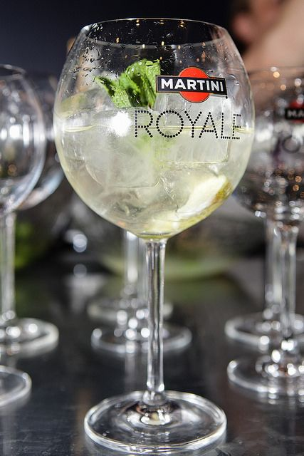 фирменный коктейль Martini