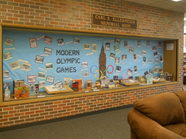 1000 images about bulletin boards book displays mine for Modern bulletin board