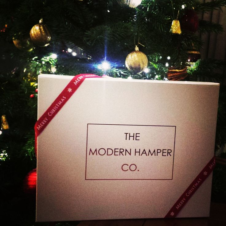 Beautiful gift hampers from the Modern Hamper Company #luxurygifts #festivegiving #Christmas