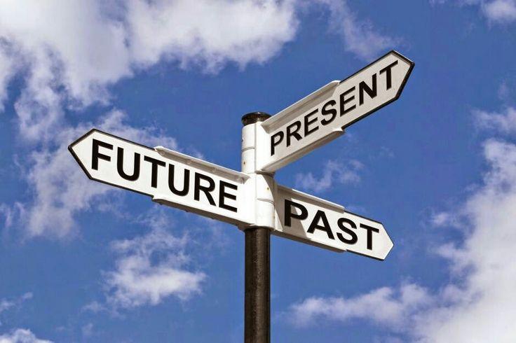 """""""Το χθες είναι ιστορία, το αύριο είναι ένα μυστήριο. Και το σήμερα; Το σήμερα είναι ένα δώρο. Γι' αυτό το αποκαλούμε 'present'(present= δώρο)."""" – B. Olatunji"""