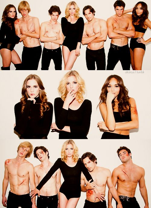 these are the weirdest pictures ive seen of the cast xD and nick is taller than emily? i never knew that! -L