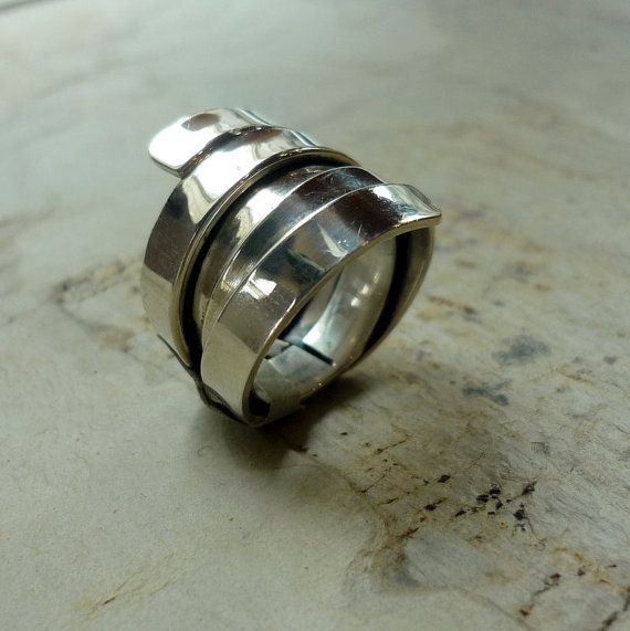 Sterling silver wire wrapped ring. wide silver band, statement silver ring. op Etsy, 90,21 €