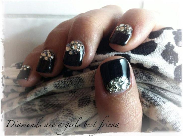Black gelnails with rhinestones  Svarta gelnaglar med rhinestones