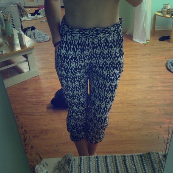Tribal print pants Super comfy tribal print la hearts pants. Too big for me around the waist and I never worn them but my sister did once. They have pockets and elastic around the bottoms so they stay up PacSun Pants