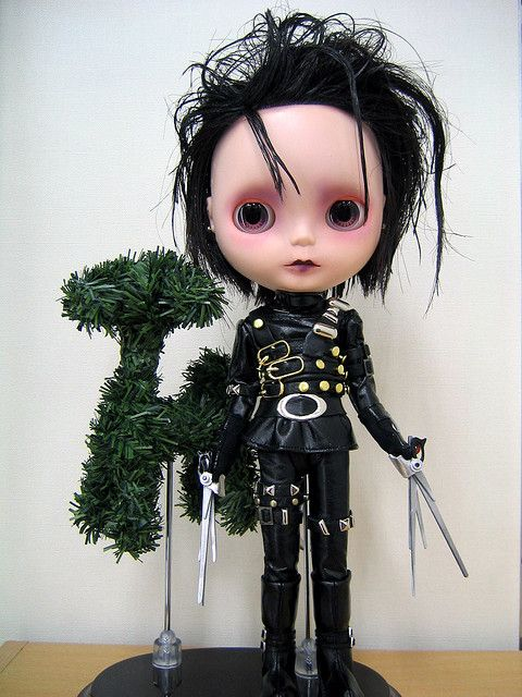 Edward Scissor Hands Blythe - yeah my LPS lover would not like this! Lol