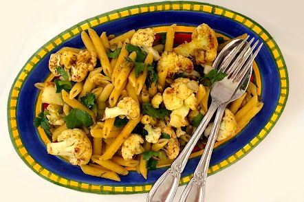 Loaded with antioxidants from cauliflower and pumpkin seeds and brimming with flavor from cumin, Penne with Cauliflower, Cilantro and Cumin from @ThePlantPoweredBlog is sure to delight! Your taste buds (and health) will thank you! Click now to get the recipe!