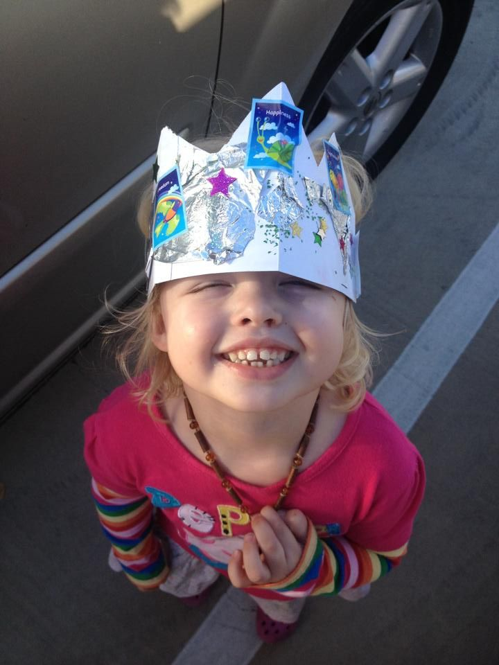 The gorgeous Miss Elsie knows how to fashion up the Harmony Stickers!  Her crown is fitting for a QUEEN. xoxo