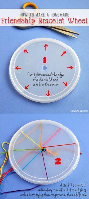 How to Make a Friendship Bracelet with a Recycled Plastic Lid   Zelf een kumihimo vlechtschijf maken (ze zijn ook kant en klaar bij ons in de webshop te koop).   www.bykaro.nl voor kralen, bedels en meer...