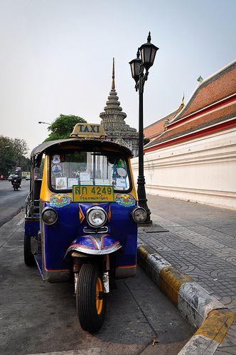 Tuk tuk: Bangkok Yet To Se, Favorite Places, Bangkok Thailand, Beautiful Places, Palaces, Memories, Places I Ve Been, Heavens, Bangkok Yetto