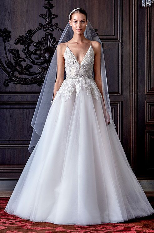 { Beautiful wedding dress by Monique Lhuillier, Spring 2016 }